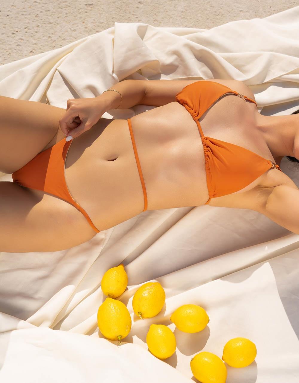 Εικόνα από Γυναικεία μαγιό σετ μπικίνι με κορδόνι Σομόν