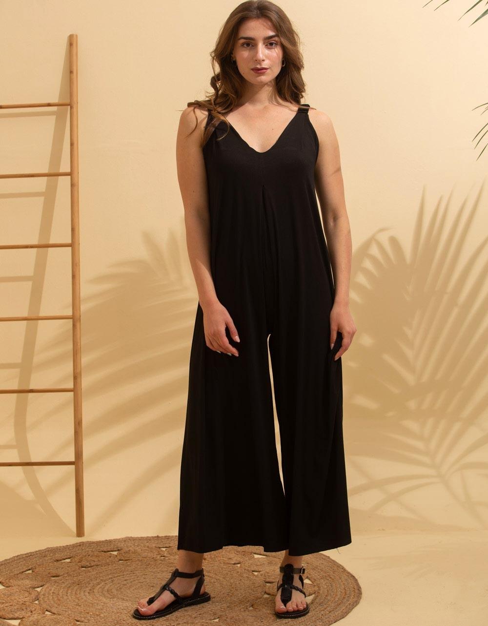 Εικόνα από Γυναικεία ολόσωμη φόρμα σε φαρδιά γραμμή Μαύρο