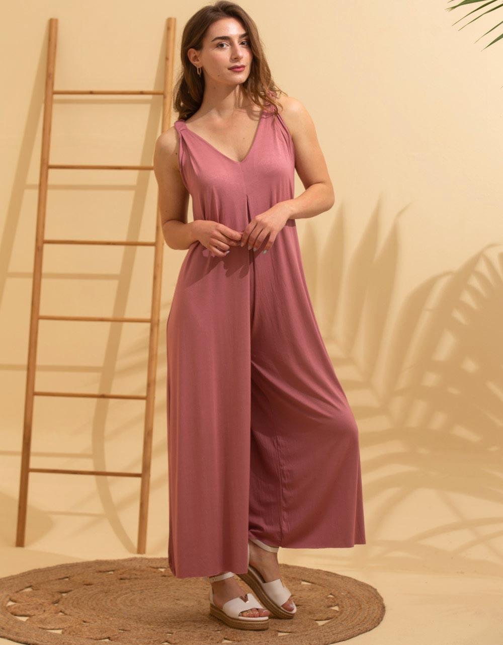 Εικόνα από Γυναικεία ολόσωμη φόρμα σε φαρδιά γραμμή Σομόν