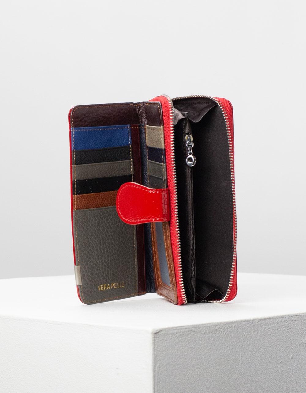 Εικόνα από Γυναικεία πορτοφόλια με κροκό σχέδιο Μπορντώ