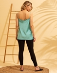 Εικόνα από Γυναικεία μπλούζα τοπ τιραντάκι σατεν Τιρκουάζ