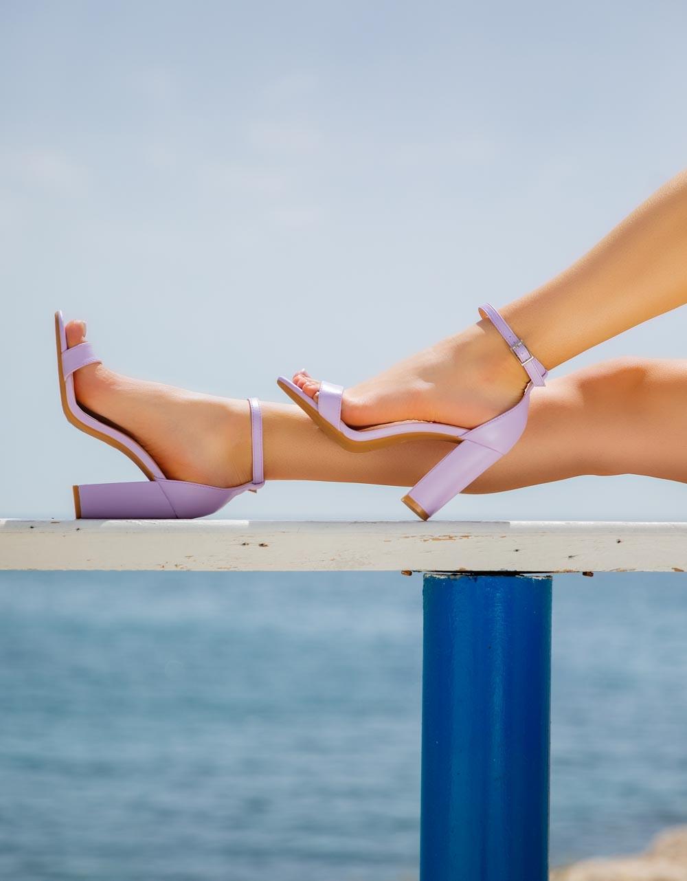 Εικόνα από Γυναικεία πέδιλα με μπαρέτα Λιλά