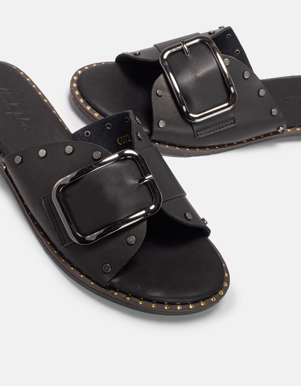 Εικόνα από Γυναικεία σανδάλια με αγκράφα Μαύρο