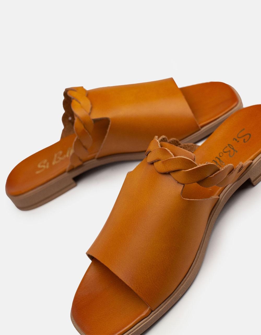 Εικόνα από Γυναικεία σανδάλια από γνήσιο δέρμα με κοτσιδάκι στην φάσα Ταμπά