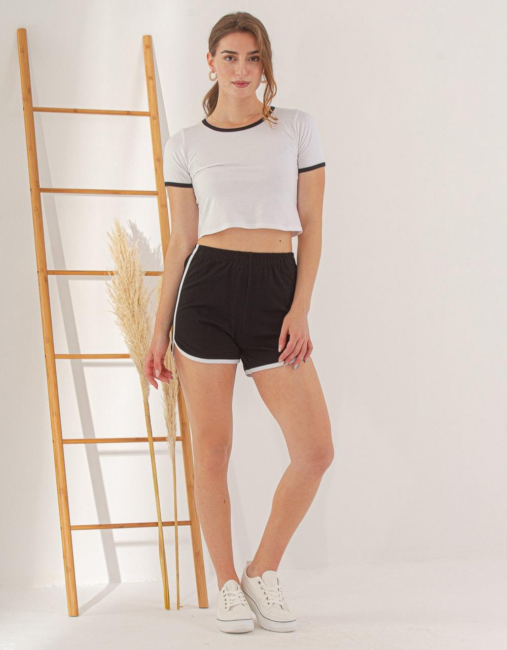 Εικόνα από Γυναικείο σετ σόρτς & crop top Λευκό/Μαύρο