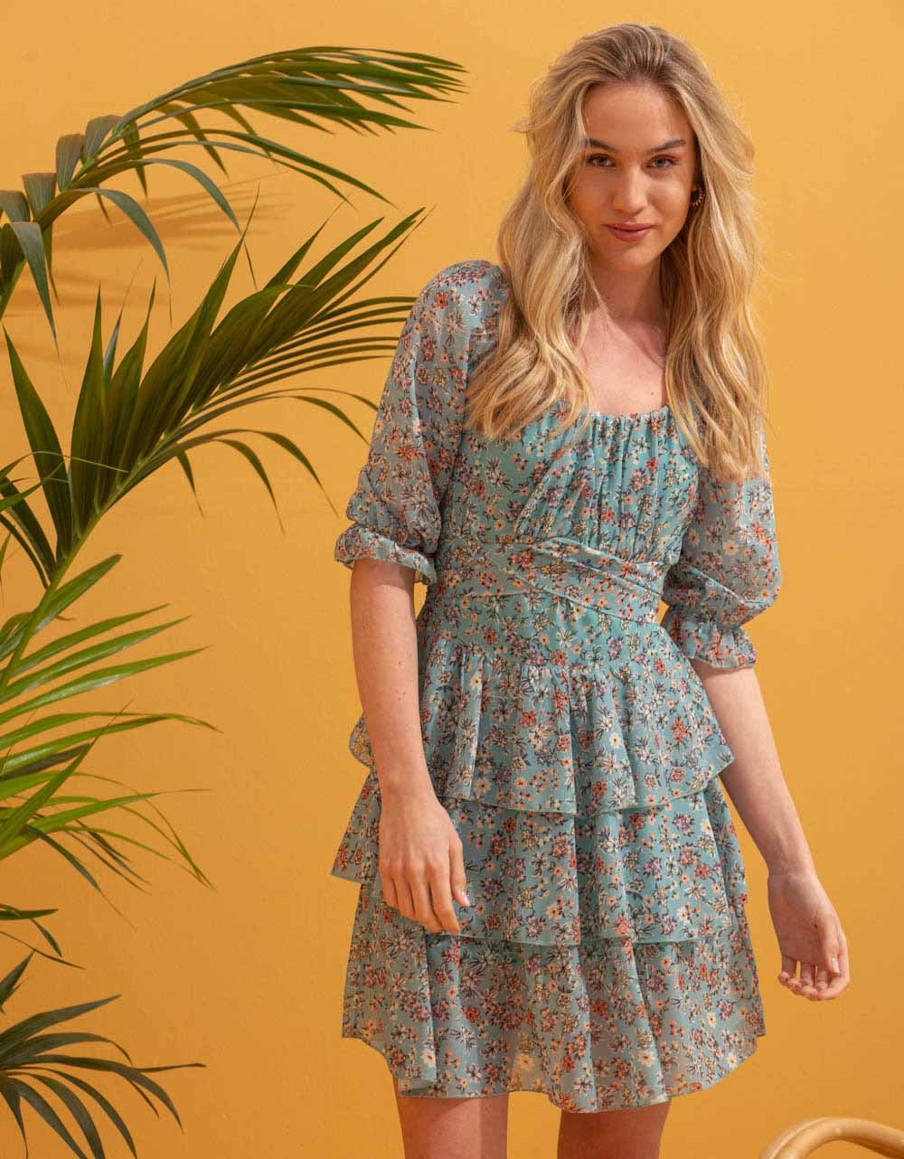 Εικόνα από Γυναικείο φόρεμα floral με βολάν Πράσινο