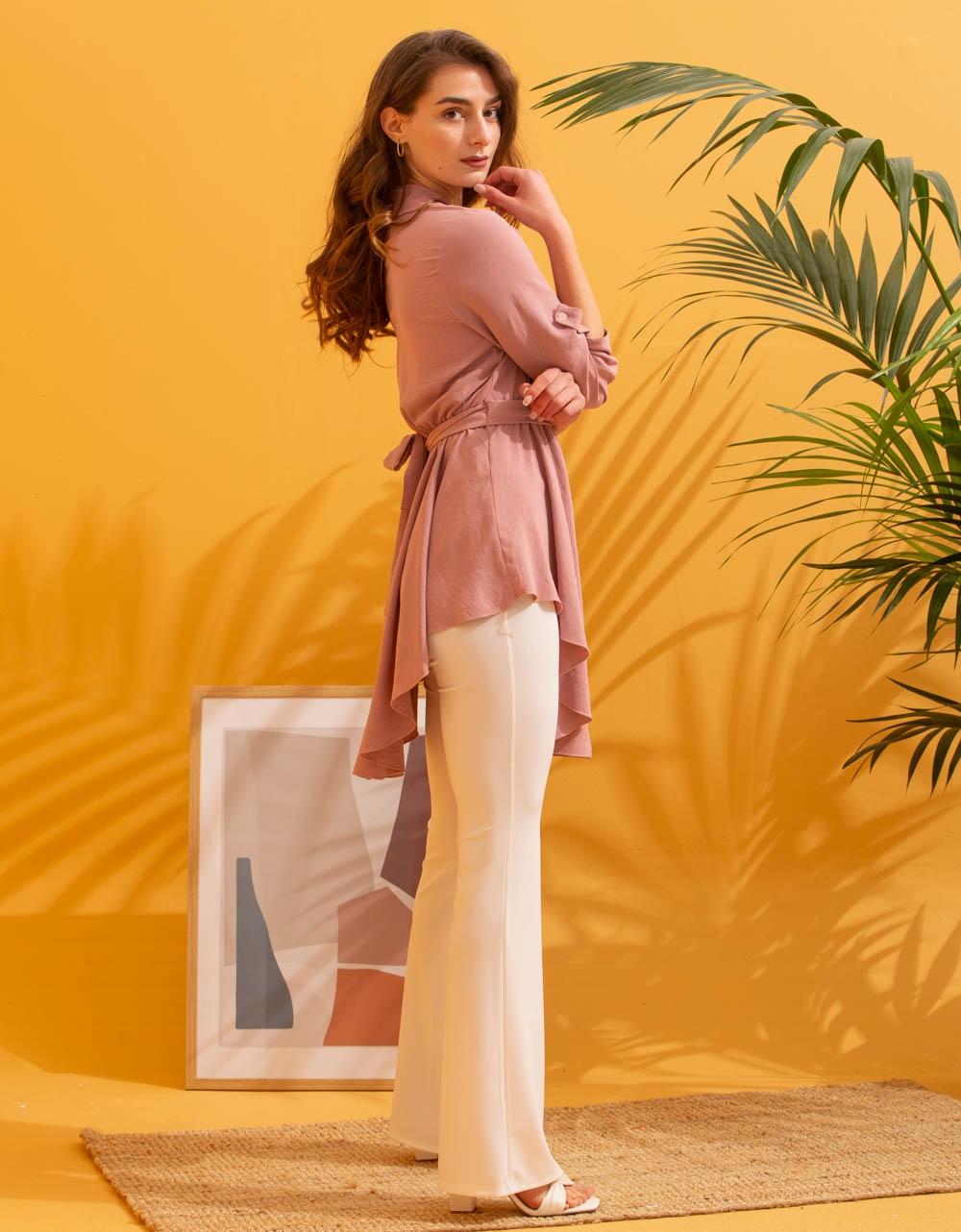 Εικόνα από Γυναικεία μπλούζα ασύμμετρη Ροζ