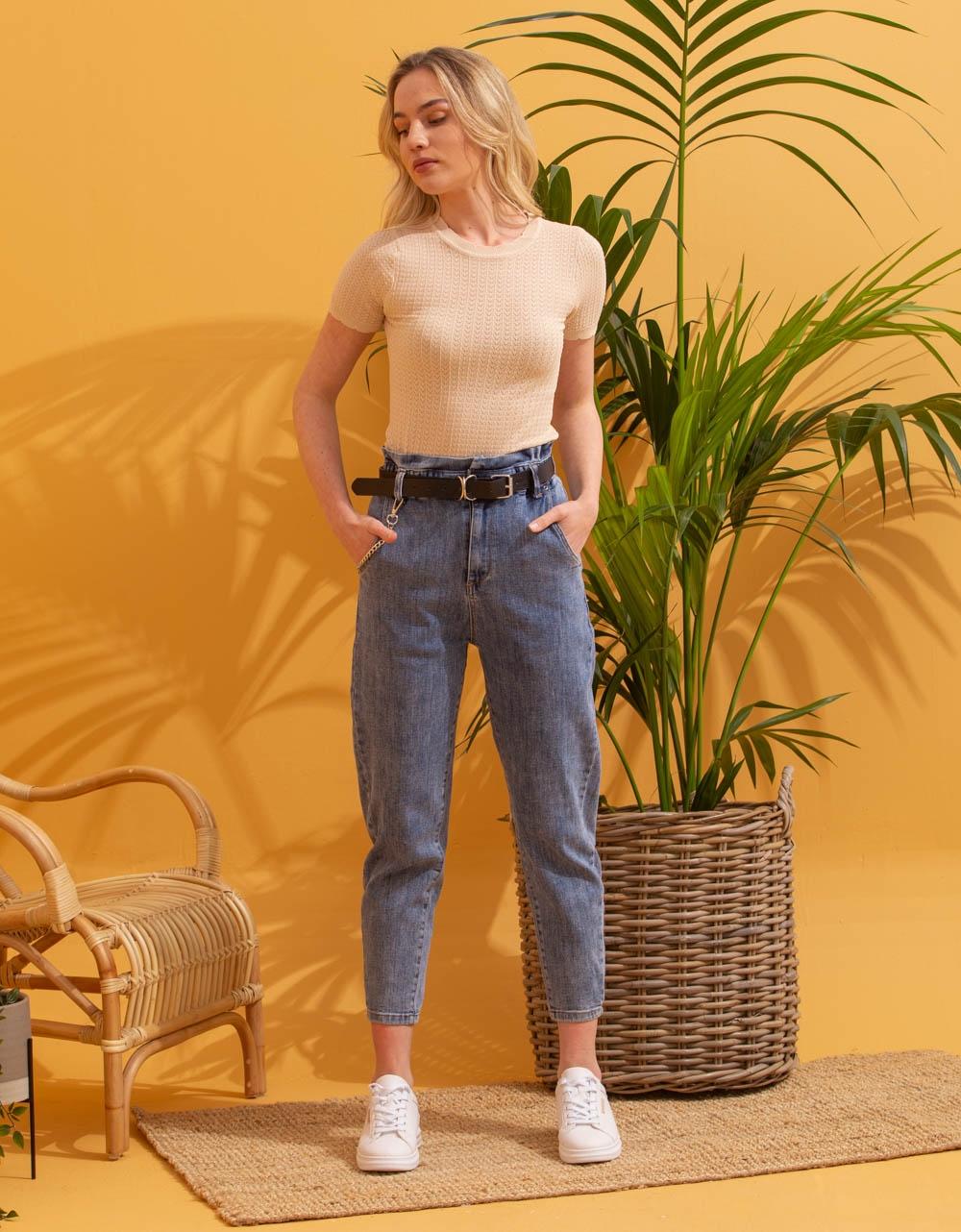 Εικόνα από Γυναικείο παντελόνι με cropped τελείωμα Τζιν