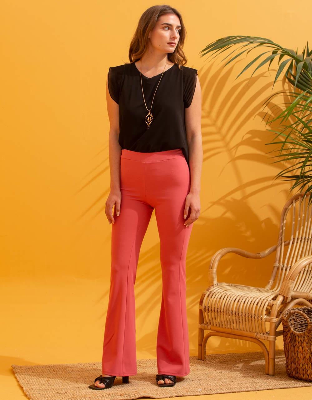 Εικόνα από Γυναικείo παντελόνι καμπάνα Ροζ