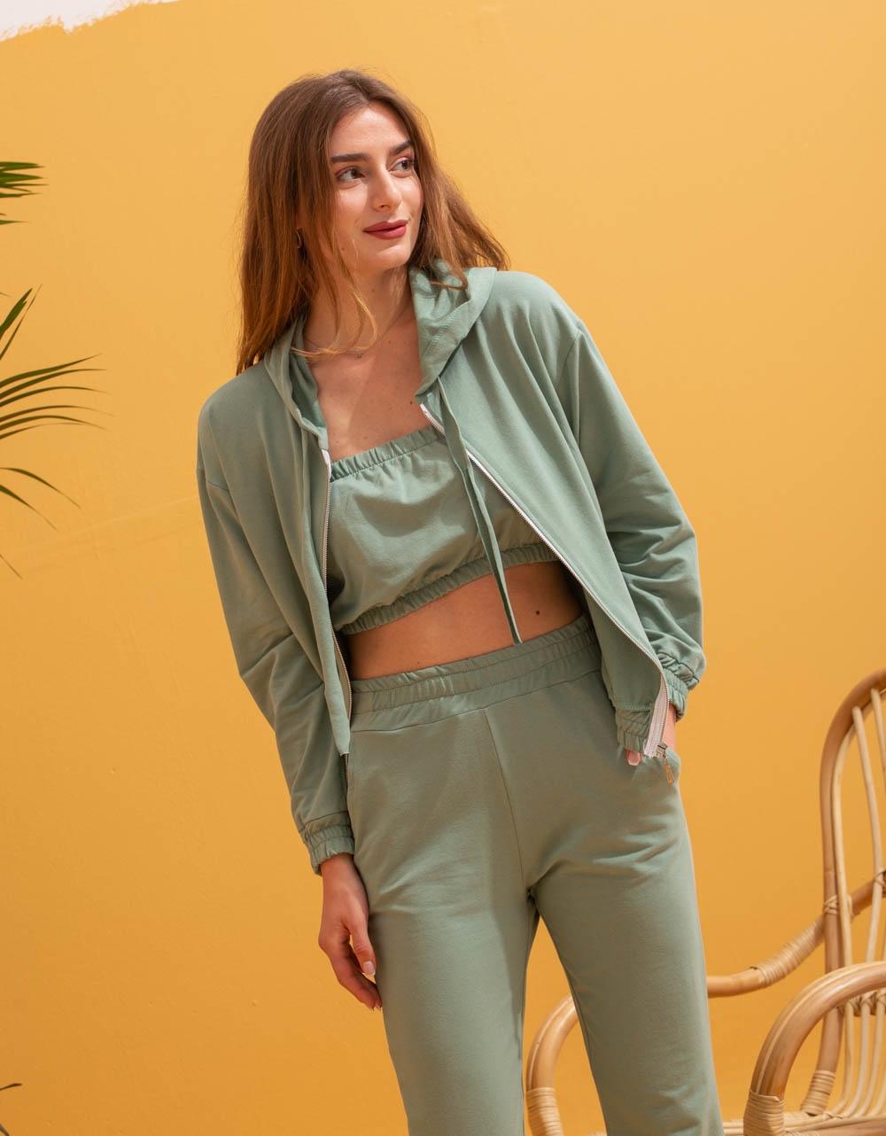 Εικόνα από Γυναικεία σετ ρούχων παντελόνι & μπλουζάκι Πράσινο