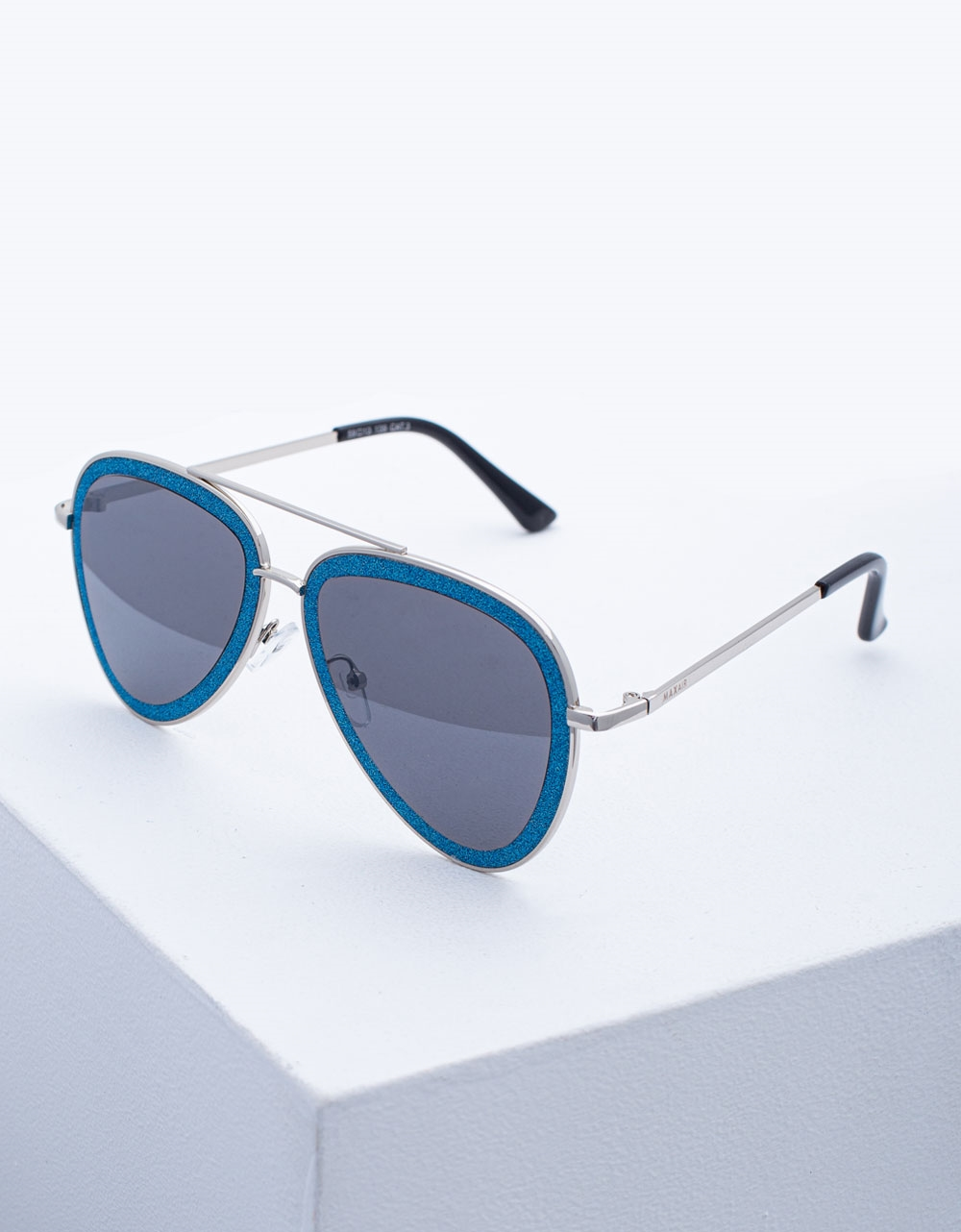 Εικόνα από Γυναικεία γυαλιά ηλίου με λεπτό σκελετό Σιέλ