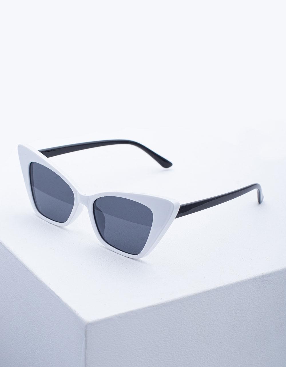 Εικόνα από Γυναικεία γυαλιά ηλίου σε σχήμα πεταλούδας Λευκό