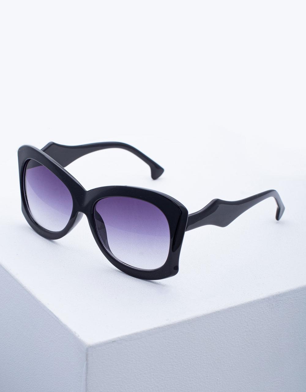 Εικόνα από Γυναικεία γυαλιά ηλίου σε συνδυασμό χρωμάτων Μαύρο