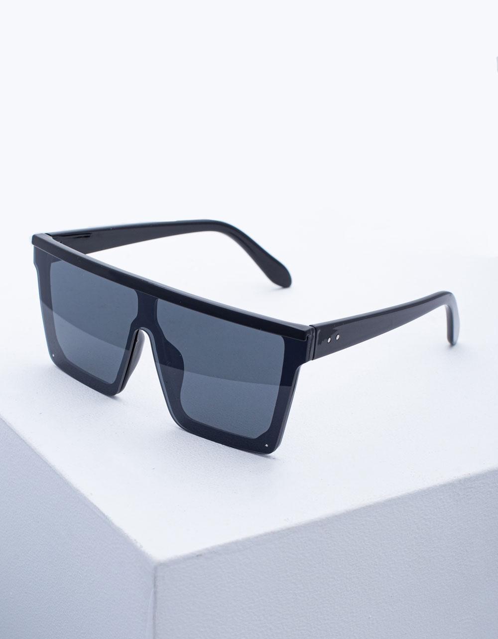 Εικόνα από Γυναικεία γυαλιά ηλίου oversized Μαύρο