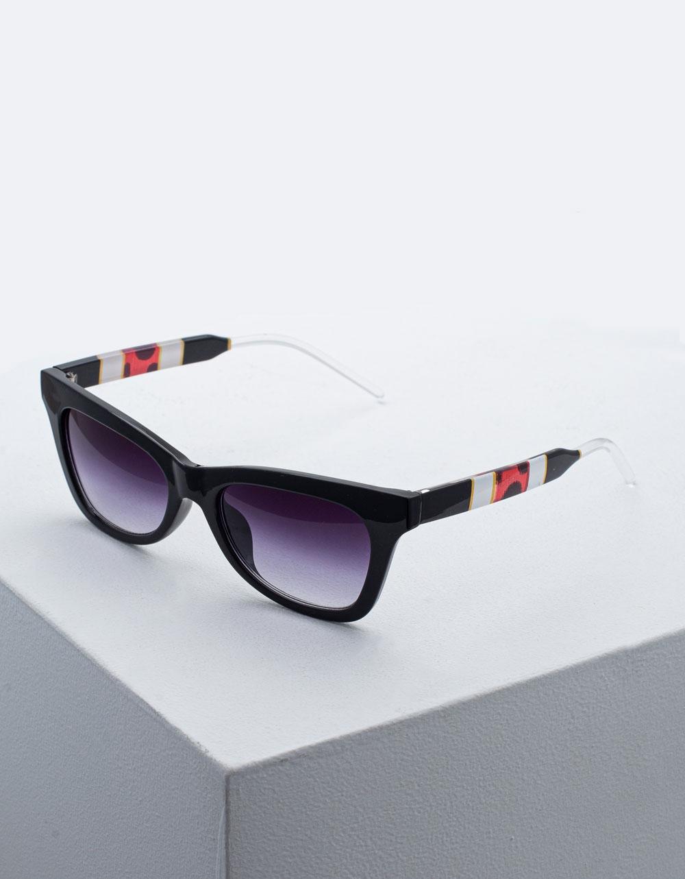 Εικόνα από Γυναικεία γυαλιά ηλίου σε συνδυασμό χρωμάτων Μαύρο/Λευκό