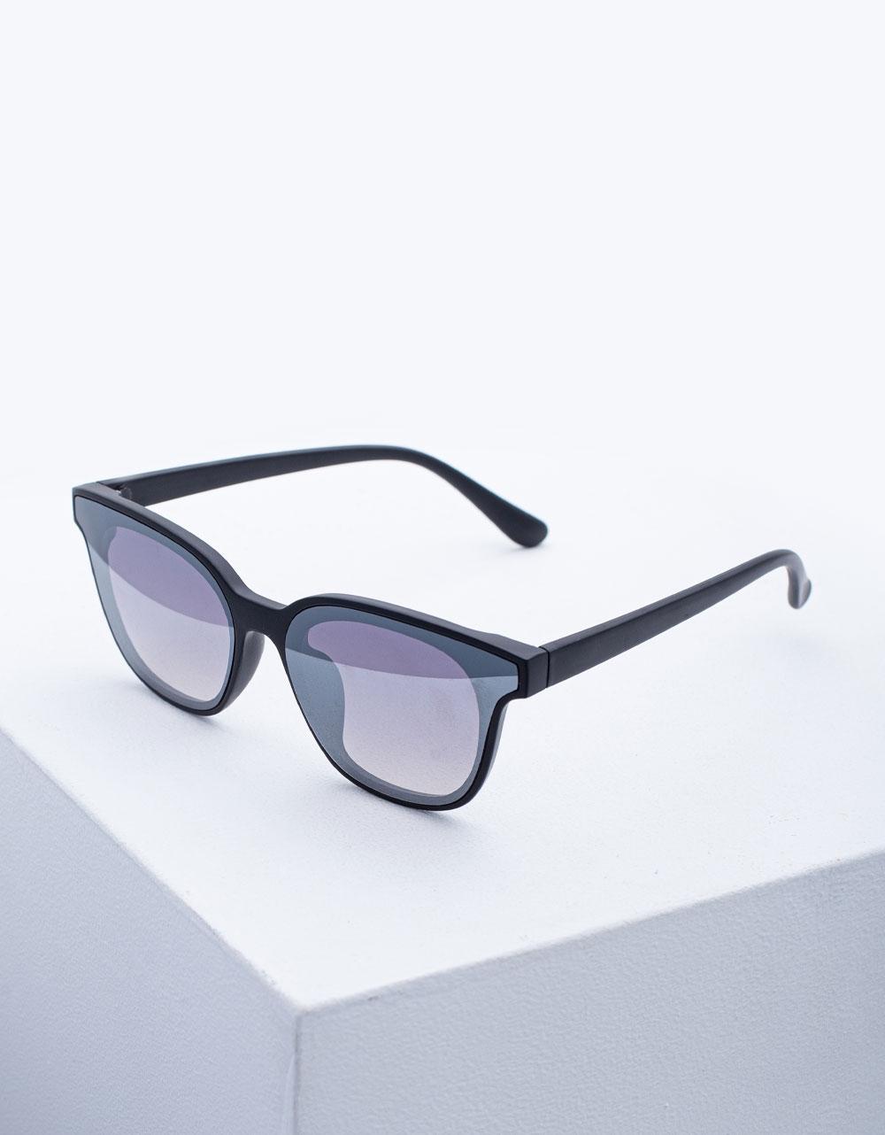 Εικόνα από Γυναικεία γυαλιά ηλίου σε τετράγωνο σχήμα Ασημί