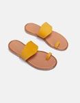 Εικόνα από Γυναικεία σανδάλια από γνήσιο δέρμα με λοξή φάσα Κάμελ