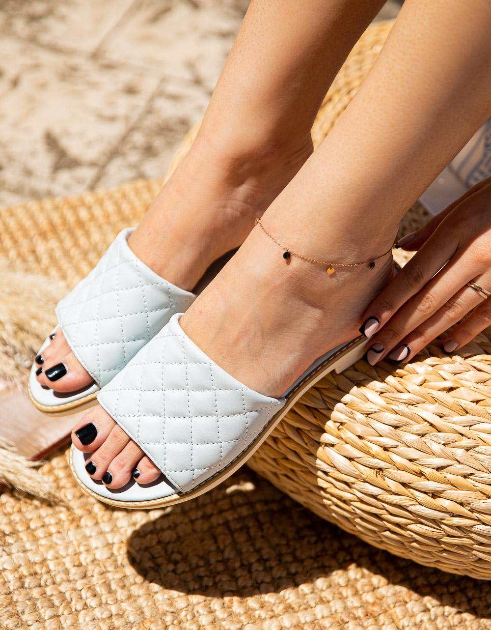 Εικόνα από Γυναικεία σανδάλια από γνήσιο δέρμα με καπιτονέ φάσα Λευκό