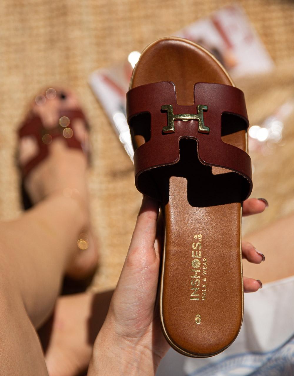 Εικόνα από Γυναικεία σανδάλια από γνήσιο δέρμα με ανοίγματα στη φάσα Μπορντώ