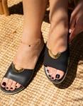 Εικόνα από Γυναικεία σανδάλια από γνήσιο δέρμα με μεταλλική αγκράφα στην φάσα Μαύρο