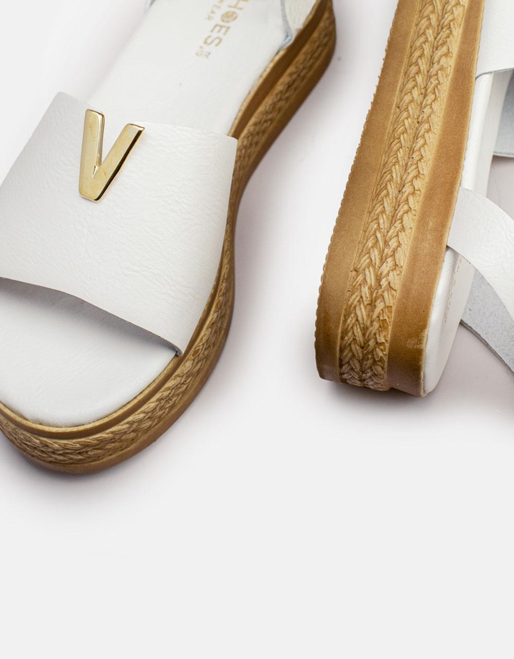 Εικόνα από Γυναικεία σανδάλια από γνήσιο δέρμα με μπαρέτα & μεταλλική λεπτομέρεια στην φάσα Λευκό
