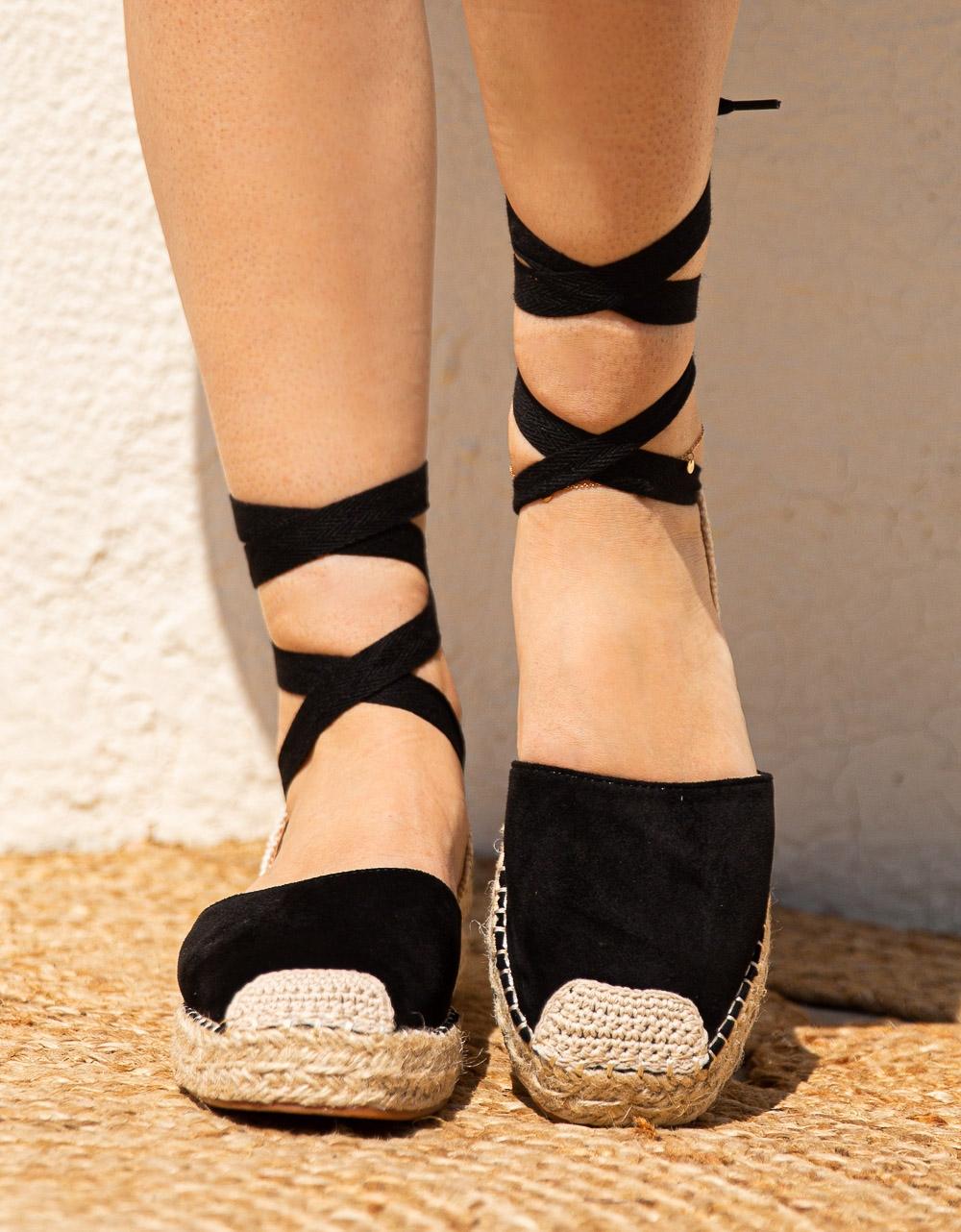 Εικόνα από Γυναικείες εσπαντρίγιες suede lace up Μαύρο
