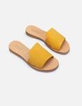 Εικόνα από Γυναικεία δερμάτινα σανδάλια μονόχρωμα με φαρδιά φάσα Κίτρινο