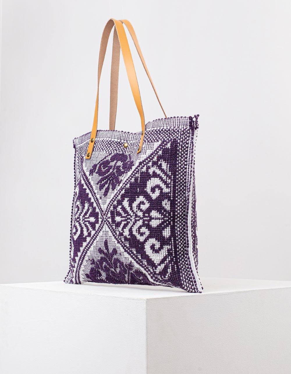 Εικόνα από Γυναικείες τσάντες ώμου με ανάγλυφο σχέδιο Μαύρο