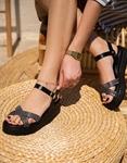 Εικόνα από Γυναικεία σανδάλια από γνήσιο δέρμα με λεπτά χιαστί λουράκια Μαύρο