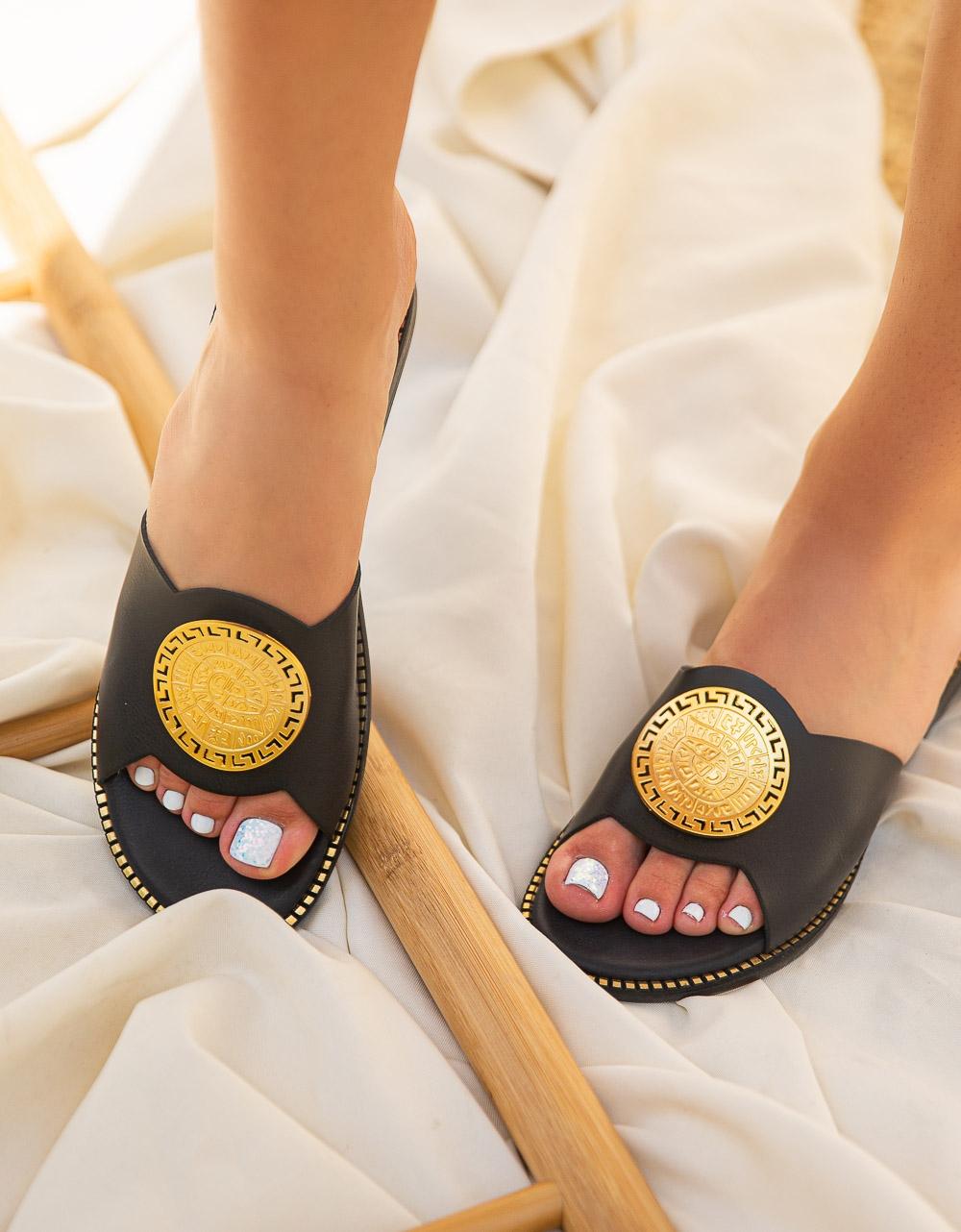Εικόνα από Γυναικεία σανδάλια από γνήσιο δέρμα με διακοσμητικό μεταλλικό Μαύρο
