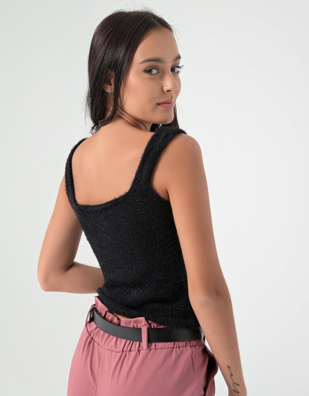 Εικόνα από Γυναικείο τοπ πλεκτό ελαστικό Μαύρο