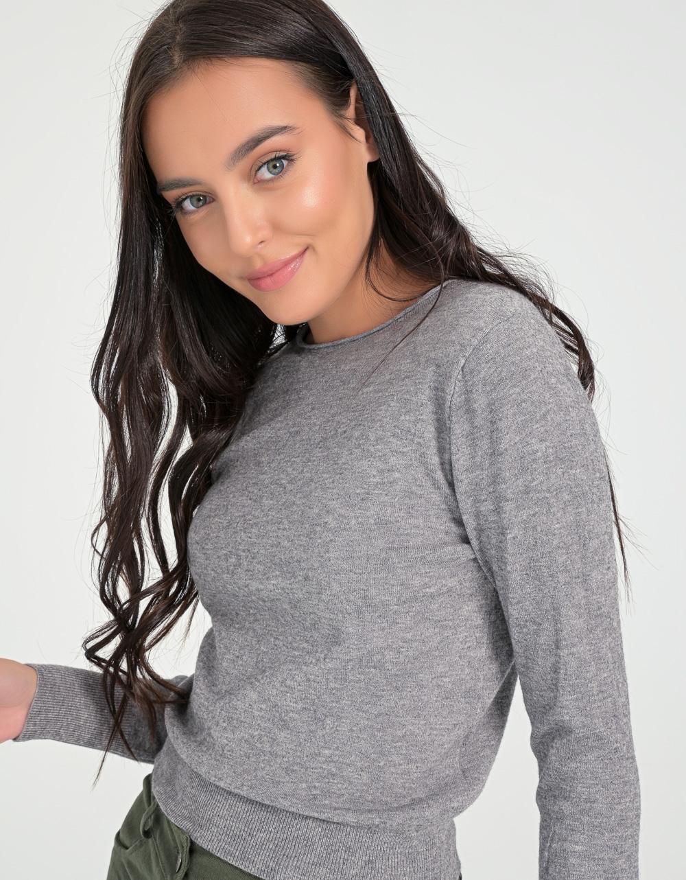 Εικόνα από Γυναικεία μπλούζα μακρυμάνικη σε απλή γραμμή Γκρι