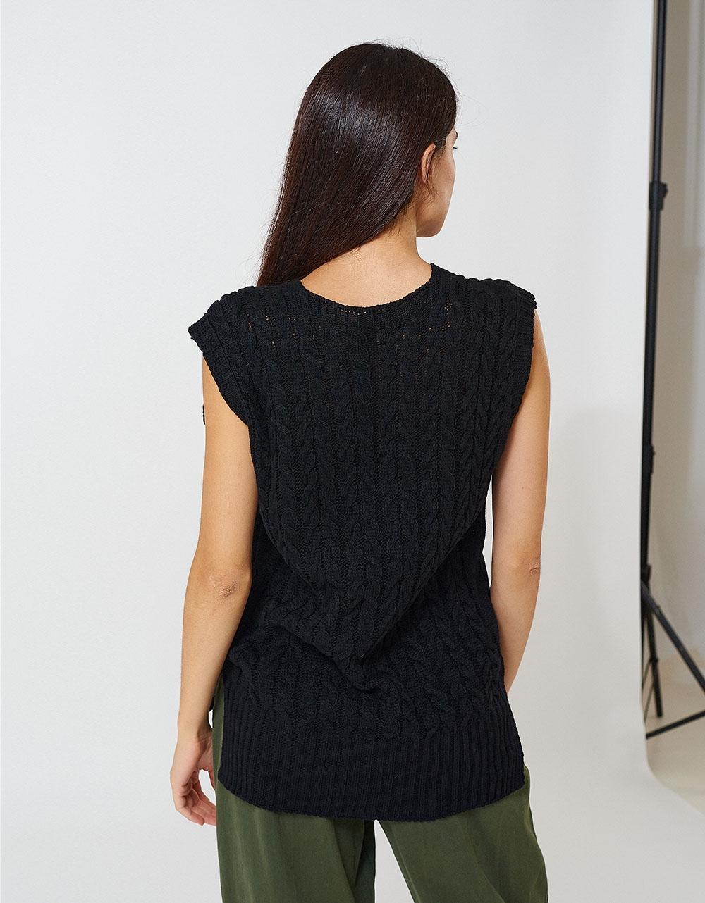 Εικόνα από Γυναικείο γιλέκο με πλεξούδες με V Μαύρο