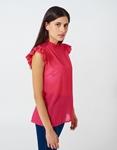 Εικόνα από Γυναικεία μπλούζα με βολάν στα μανίκια Φούξια