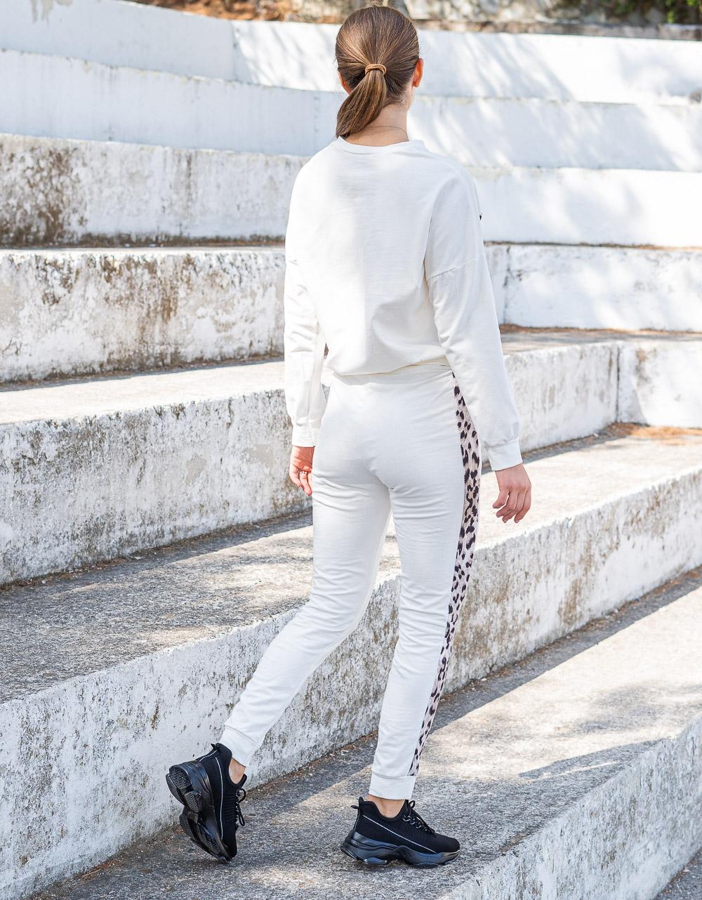 Εικόνα από Γυναικείο σετ μονόχρωμο με λεοπάρ λεπτομέρειες Λευκό