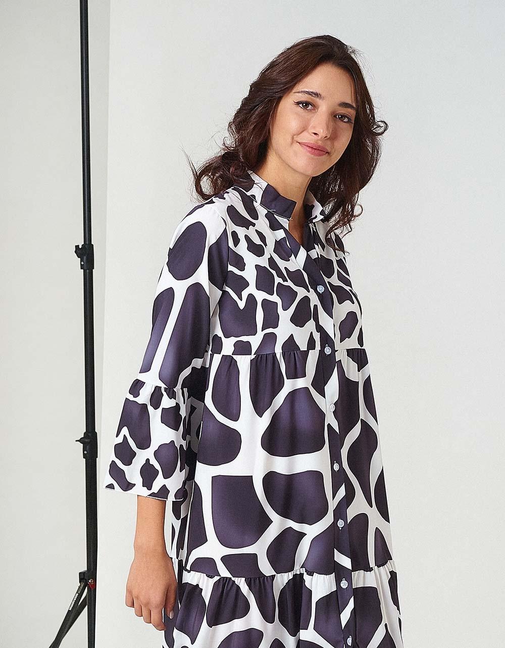 Εικόνα από Γυναικείο φόρεμα κρουαζέ με άνοιγμα Λευκό/Μαύρο