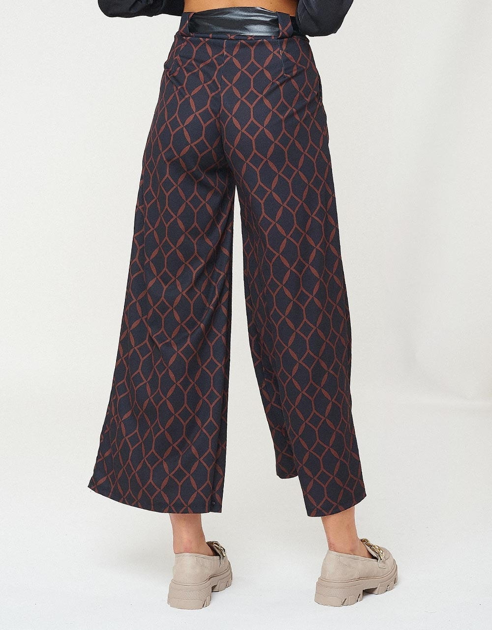 Εικόνα από Γυναικείο παντελόνι wide leg με ζωνάκι Καφέ