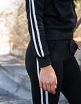 Εικόνα από Γυναικείο σετ μονόχρωμο με ρίγα Μαύρο