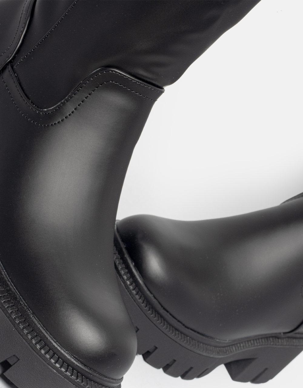 Εικόνα από Γυναικείες μπότες μονόχρωμες ματ Μαύρο